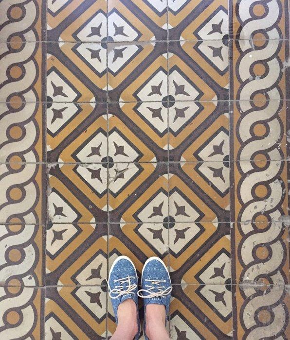 Feet selfie with a pretty floor in Vienna