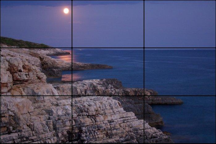 三分法网格叠加的景观照片