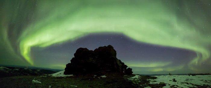令人惊叹的北极光全景图