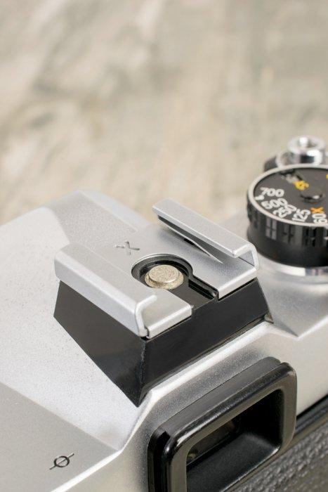 close up of a cameras hotshoe