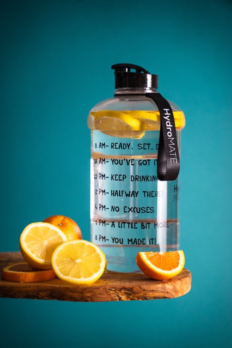 Product photography photo of a water battle with oranges