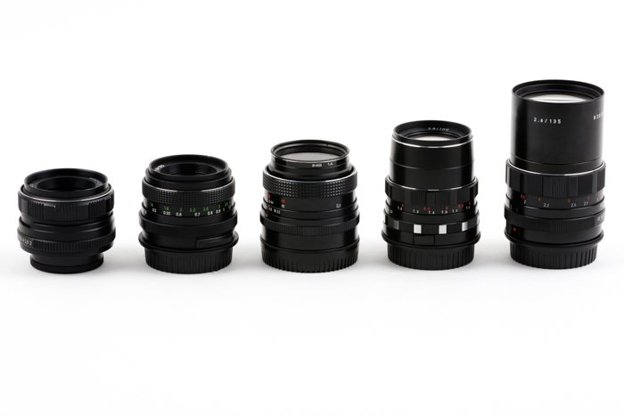 5 types of lenses of various focal lengths set next to each other