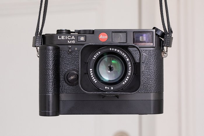 Leica M6 with M grip
