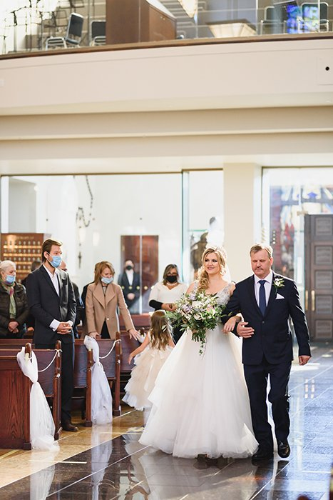 Photograph of a wedding ceremony taken with the Sigma 85mm Art lens