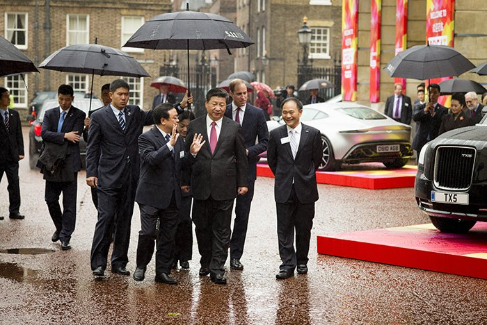 Xi Jinping at St James' Palace London show with a Leica M10