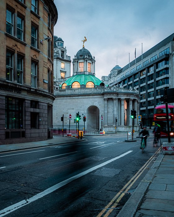 An image of the streets of London shot with the Canon EOS R5