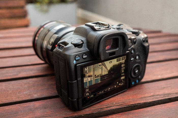 Back of the Canon R5 in Live View mode