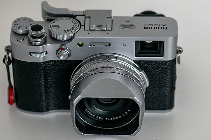 Picture of the Fuji X100V mirrorless camera