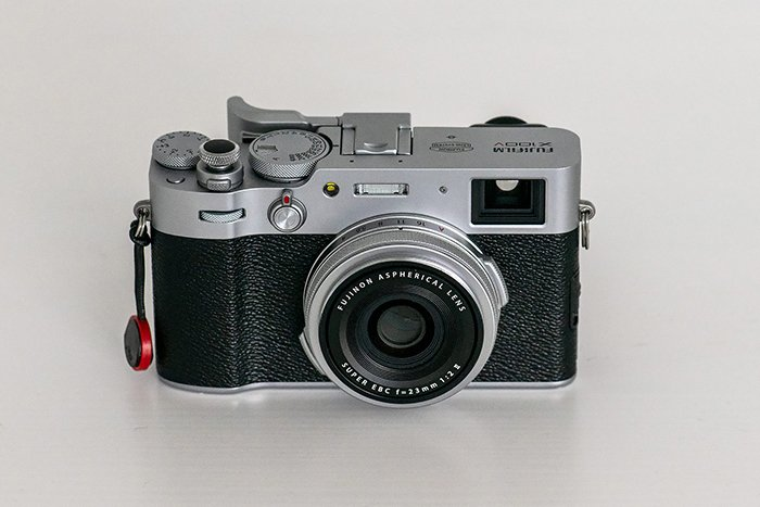 Image of the Fujifilm X100V from front