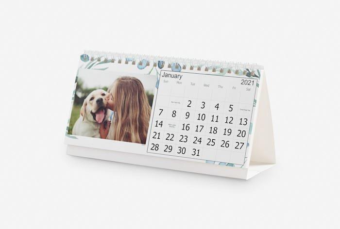a Custom photo calendar