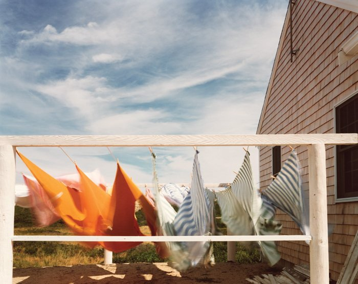 Photo of the clothes line by Joel Meyerowitz