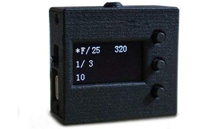 an image of a hot shoe light meter