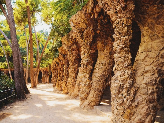 a photo of park guell in barcelona