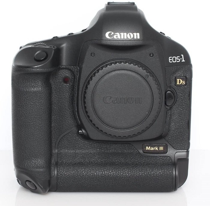 an image of a Canon EOS 1D X Mark III camera body (2)