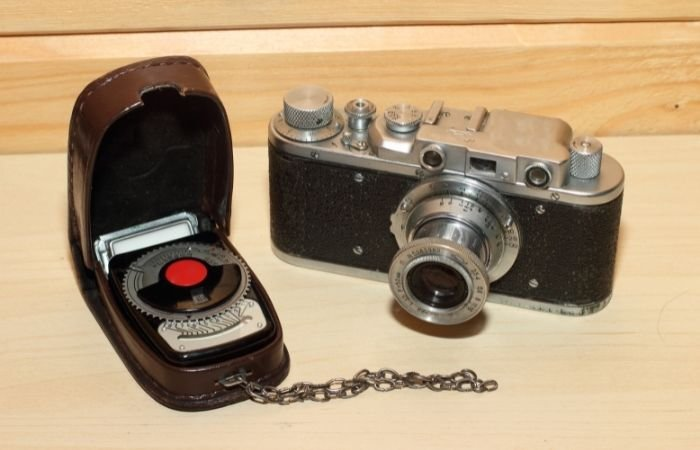 Câmera de filme vintage com fotômetro