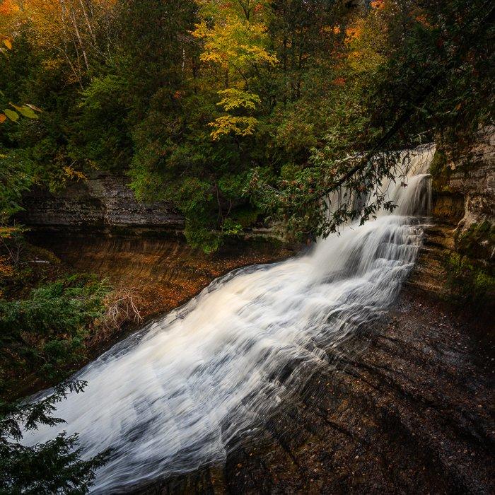 Waterfall 1:1 aspect ratio