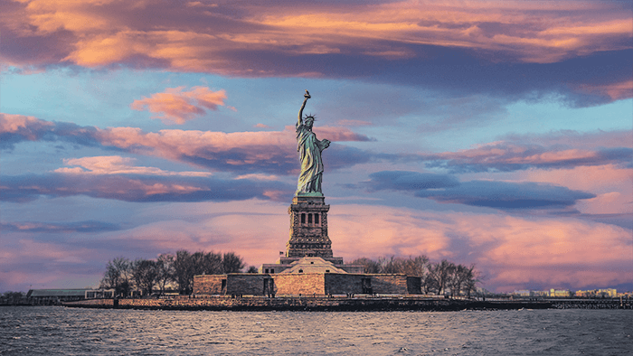 Statue of Liberty with replaced sky with photoshop AI