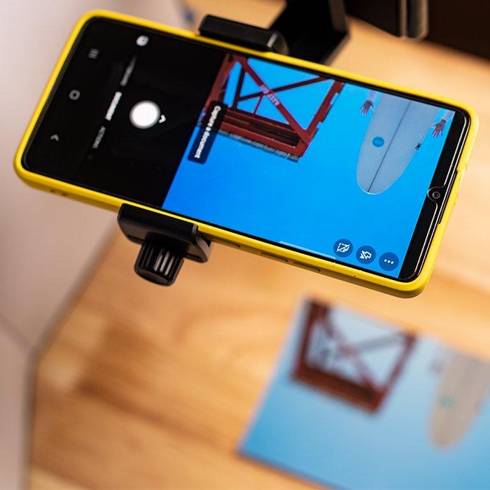 Phone app scanning a photo